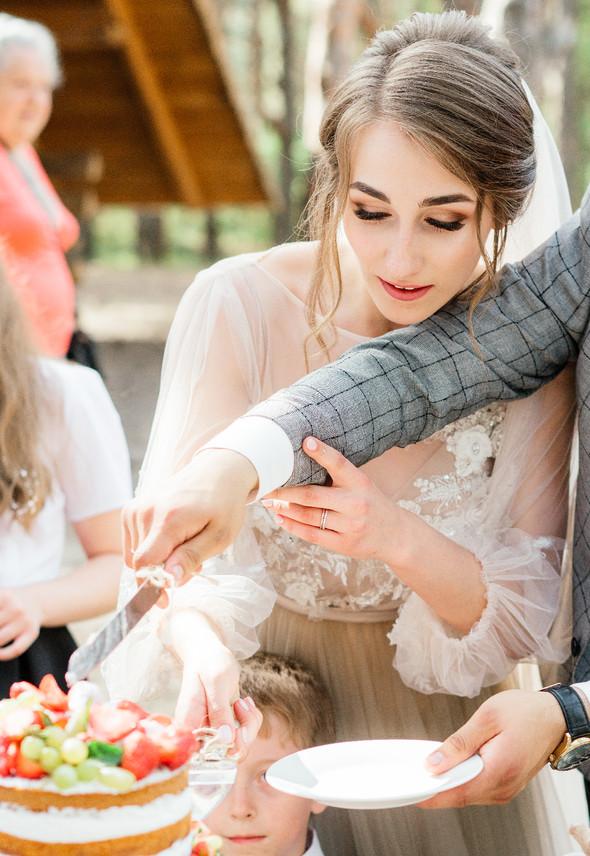Нежная рустик-свадьба в лесу - фото №83