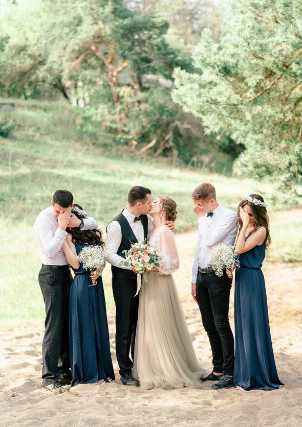 Нежная рустик-свадьба в лесу - фото №126