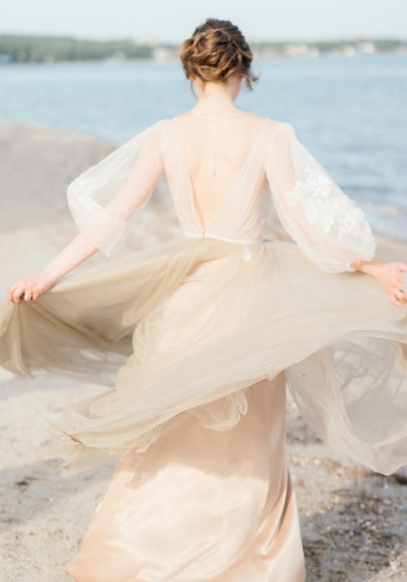 Нежная рустик-свадьба в лесу - фото №138