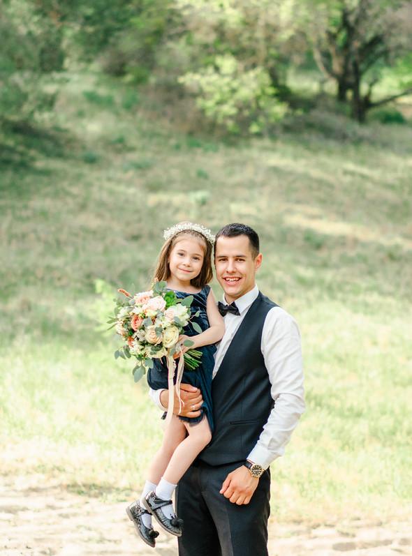 Нежная рустик-свадьба в лесу - фото №120