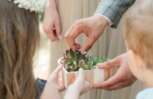 Нежная рустик-свадьба в лесу - фото №45