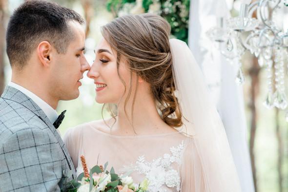 Нежная рустик-свадьба в лесу - фото №78