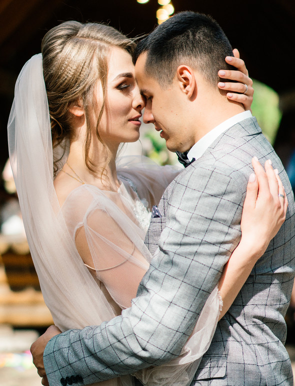 Нежная рустик-свадьба в лесу - фото №69