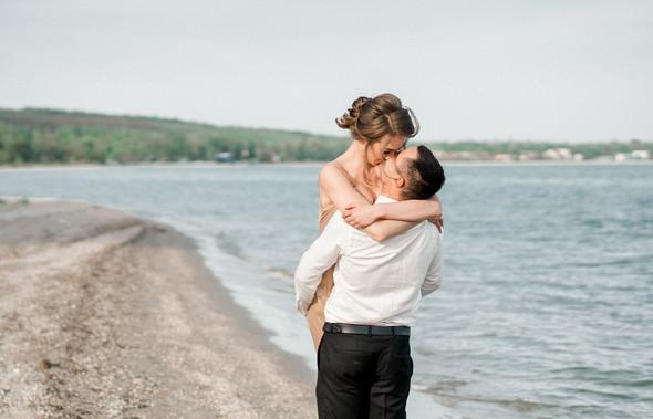 Нежная рустик-свадьба в лесу - фото №143