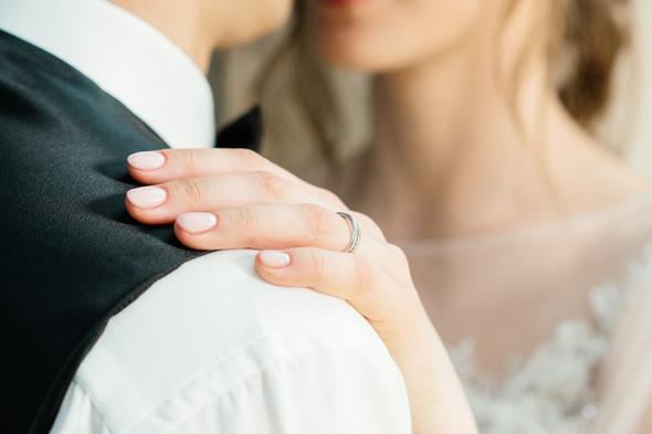 Нежная рустик-свадьба в лесу - фото №94