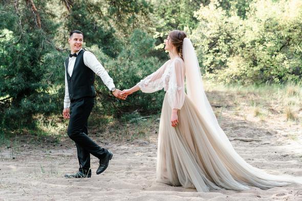 Нежная рустик-свадьба в лесу - фото №103
