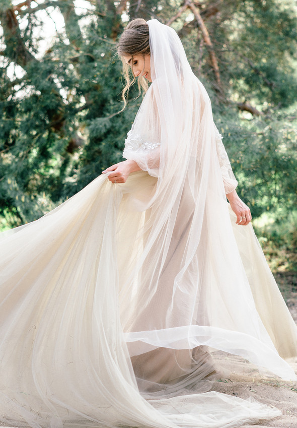 Нежная рустик-свадьба в лесу - фото №102