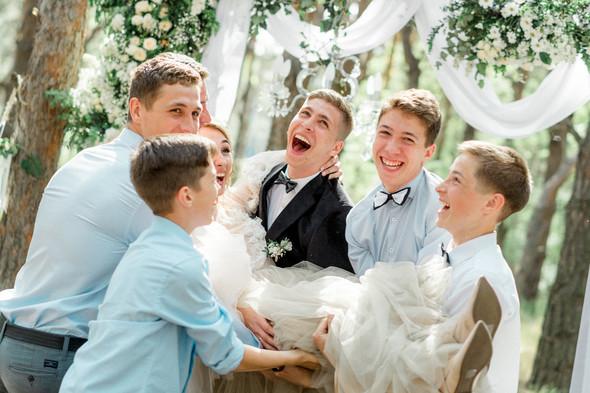 Нежная рустик-свадьба в лесу - фото №76