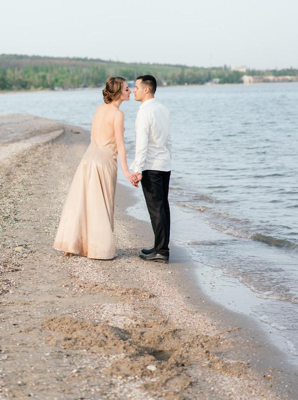 Нежная рустик-свадьба в лесу - фото №147