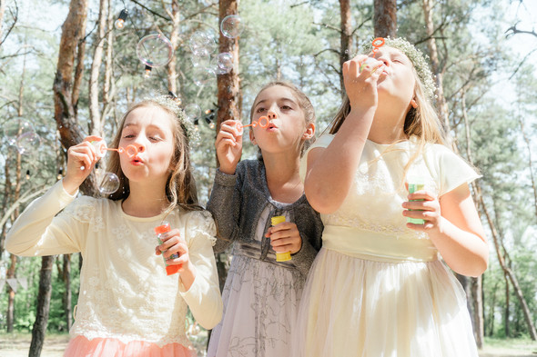 Нежная рустик-свадьба в лесу - фото №50
