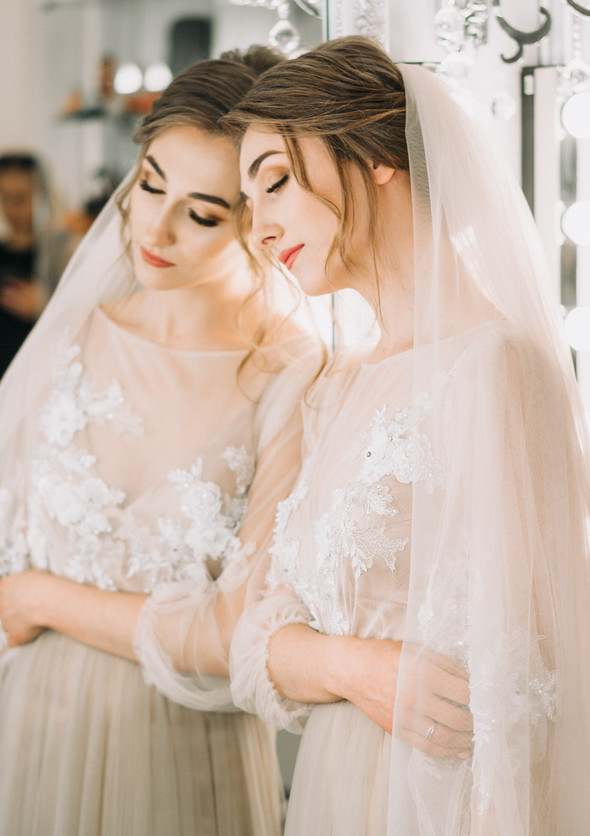 Нежная рустик-свадьба в лесу - фото №27