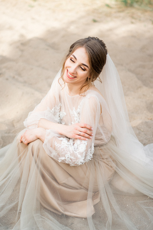 Нежная рустик-свадьба в лесу - фото №114