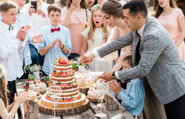 Нежная рустик-свадьба в лесу - фото №82