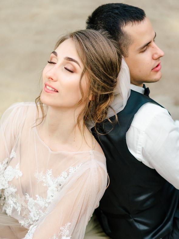 Нежная рустик-свадьба в лесу - фото №115