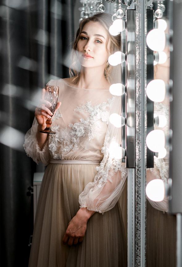 Нежная рустик-свадьба в лесу - фото №33