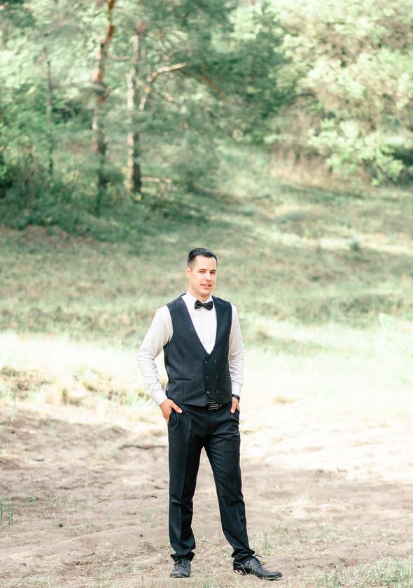 Нежная рустик-свадьба в лесу - фото №112