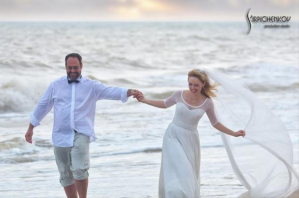 Свадебные фото на море в Одессе, фото в Оперном театре и на маковом поле - фото №69