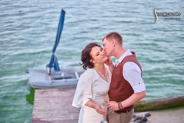Свадебные фото в Сухолучье, Киевское море и сьемка в поле  - фото №1