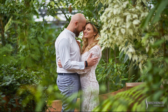 Свадебные фото в Оранжерее в Киеве, студийная сьемка в фотостудии Счастье - фото №1
