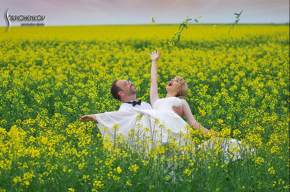Свадебные фото на море в Одессе, фото в Оперном театре и на маковом поле - фото №23