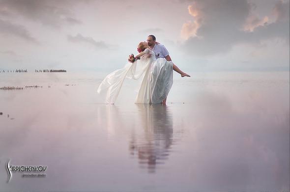 Свадебные фото на море в Одессе, фото в Оперном театре и на маковом поле - фото №27