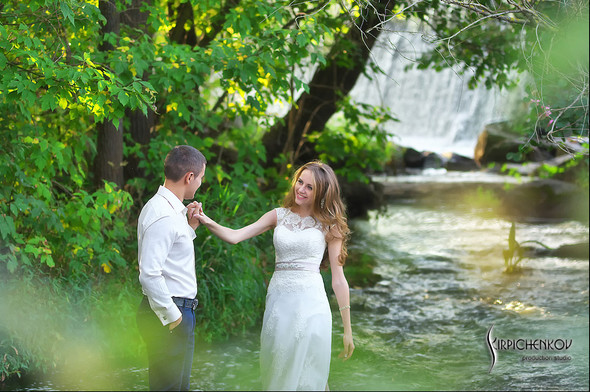 Свадебные фото в каньоне Буки и выездная церемония в ресторане Фортеця - фото №41