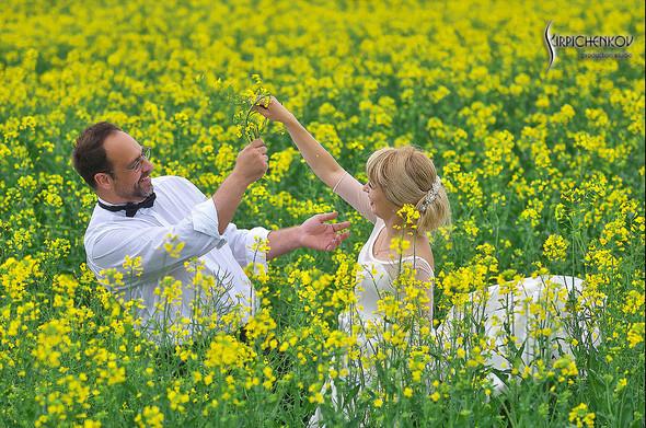 Свадебные фото на море в Одессе, фото в Оперном театре и на маковом поле - фото №25