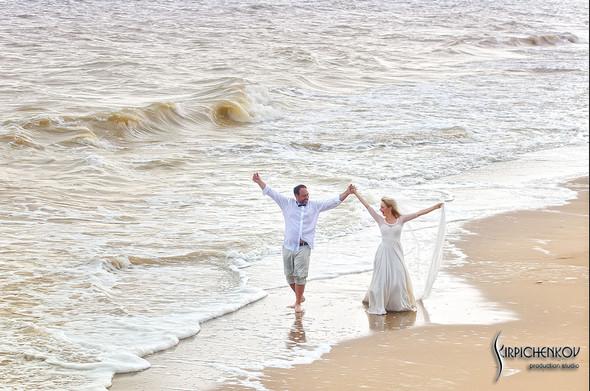 Свадебные фото на море в Одессе, фото в Оперном театре и на маковом поле - фото №70