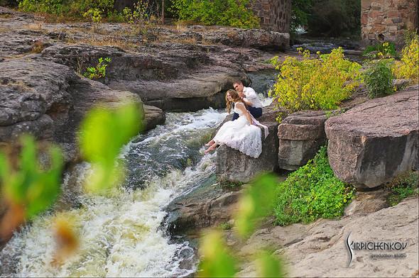 Свадебные фото в каньоне Буки и выездная церемония в ресторане Фортеця - фото №35