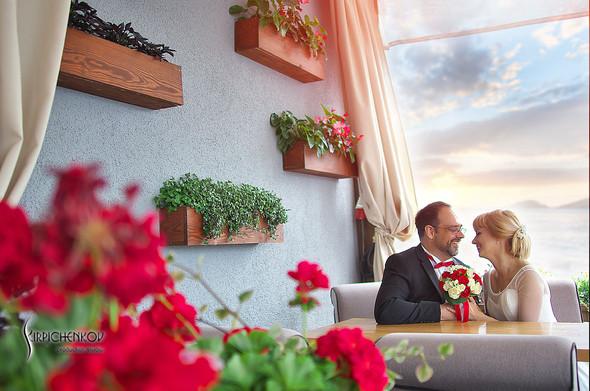 Свадебные фото на море в Одессе, фото в Оперном театре и на маковом поле - фото №17