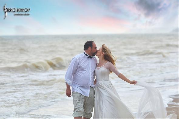 Свадебные фото на море в Одессе, фото в Оперном театре и на маковом поле - фото №67