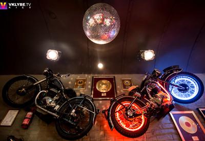 Музыкальное кафе Дежавю - место для фотосессии в Киеве - портфолио 1