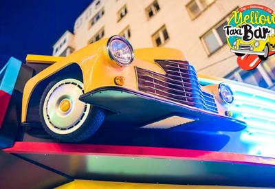 Yellow Taxi Bar - место для фотосессии в Киеве - портфолио 3