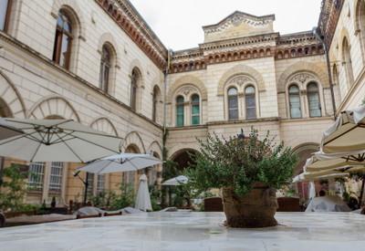 Кафе Бернардацци. Итальянский дворик - место для фотосессии в Одессе - портфолио 6