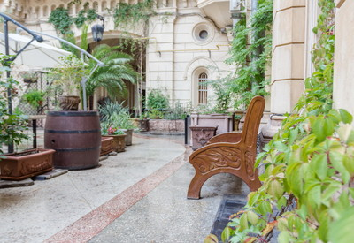 Кафе Бернардацци. Итальянский дворик - место для фотосессии в Одессе - портфолио 4