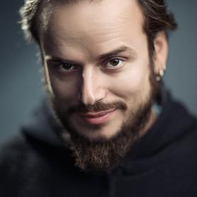 Alek Khomenko