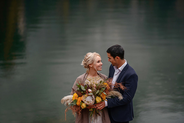 Thaddaeus & Lisa. Lago di Braies. Italy - фото №24