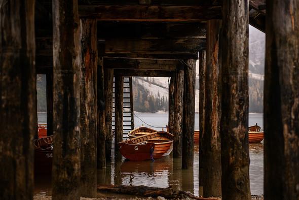 Thaddaeus & Lisa. Lago di Braies. Italy - фото №35