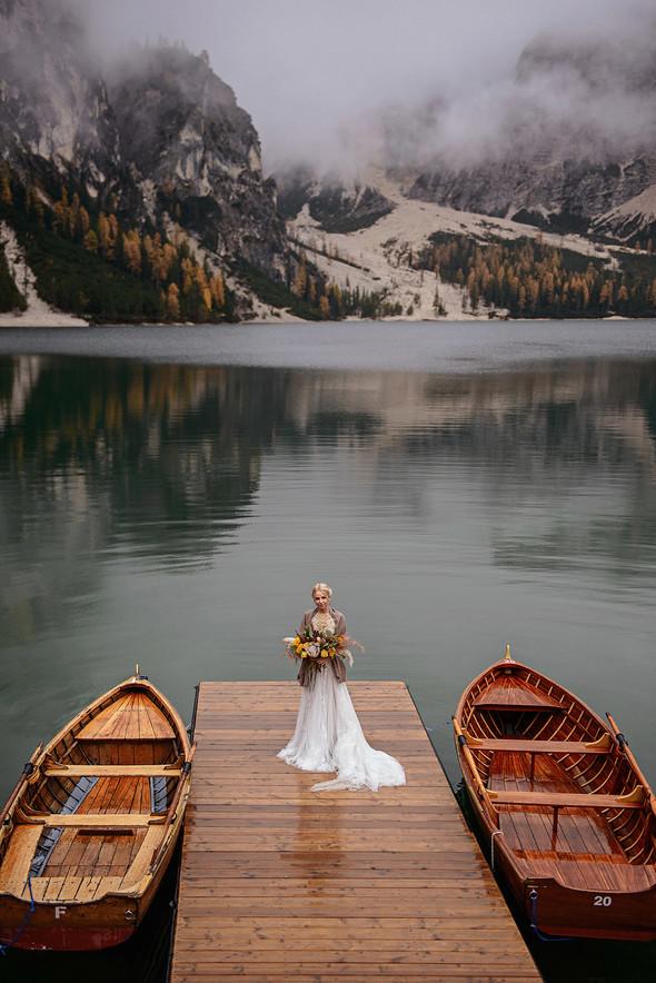 Thaddaeus & Lisa. Lago di Braies. Italy - фото №20