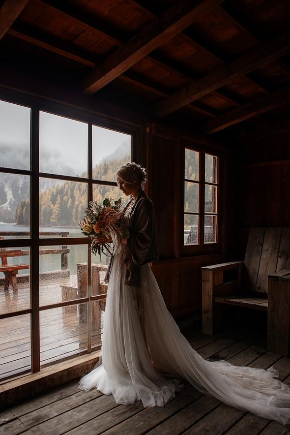 Thaddaeus & Lisa. Lago di Braies. Italy - фото №11