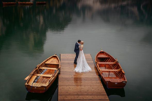 Thaddaeus & Lisa. Lago di Braies. Italy - фото №27
