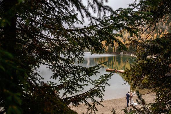 Thaddaeus & Lisa. Lago di Braies. Italy - фото №32