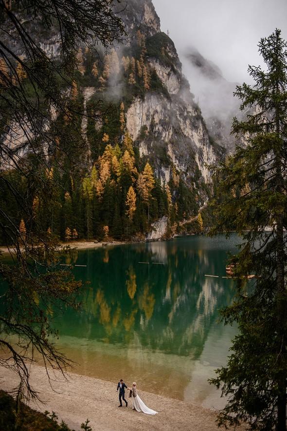 Thaddaeus & Lisa. Lago di Braies. Italy - фото №30