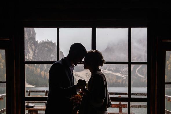 Thaddaeus & Lisa. Lago di Braies. Italy - фото №12