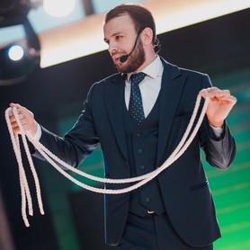 Иллюзионист Илья Левченко