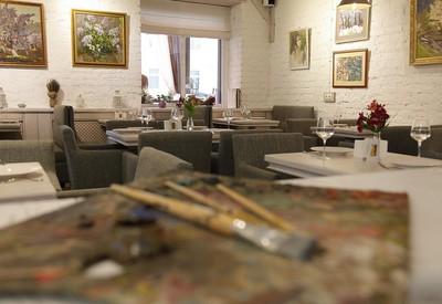 """Галерея-кафе """"Ван Гог"""" - место для фотосессии в Днепре - портфолио 5"""