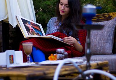 """Галерея-кафе """"Ван Гог"""" - место для фотосессии в Днепре - портфолио 4"""