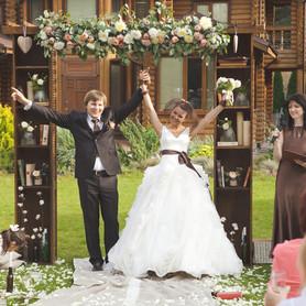 Ведущая свадебной церемонии Юлия Сигалова - выездная церемония в Киеве - портфолио 5