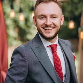 Дмитрий  Пустовит - ведущий в Киеве - портфолио 1