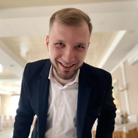 Артём Опошнян